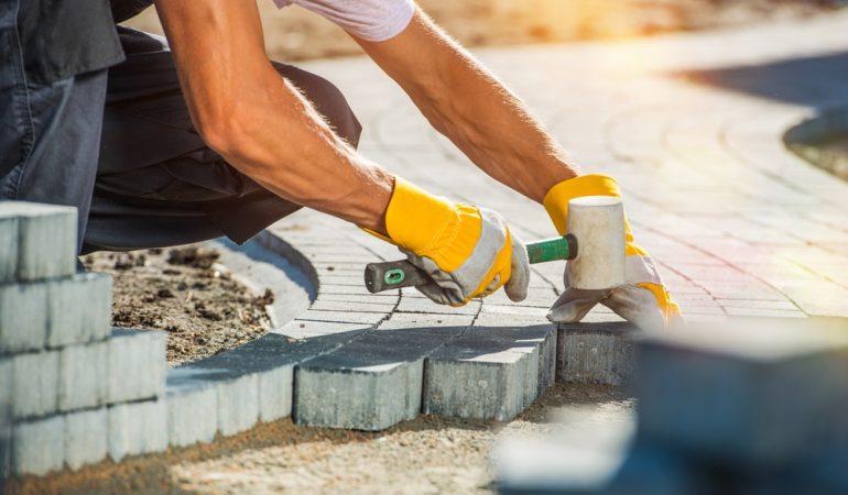 Hvilke typer af belægningssten bruges oftest til anlæg af terrasse?