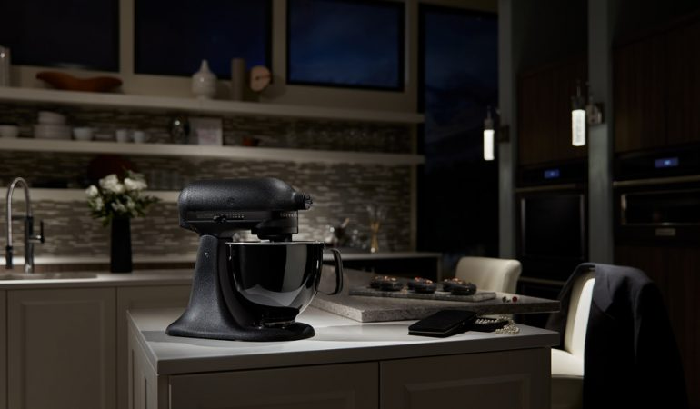 KitchenAid introducerer sin nye Limited Edition Artisan Black Tie Stand Mixer
